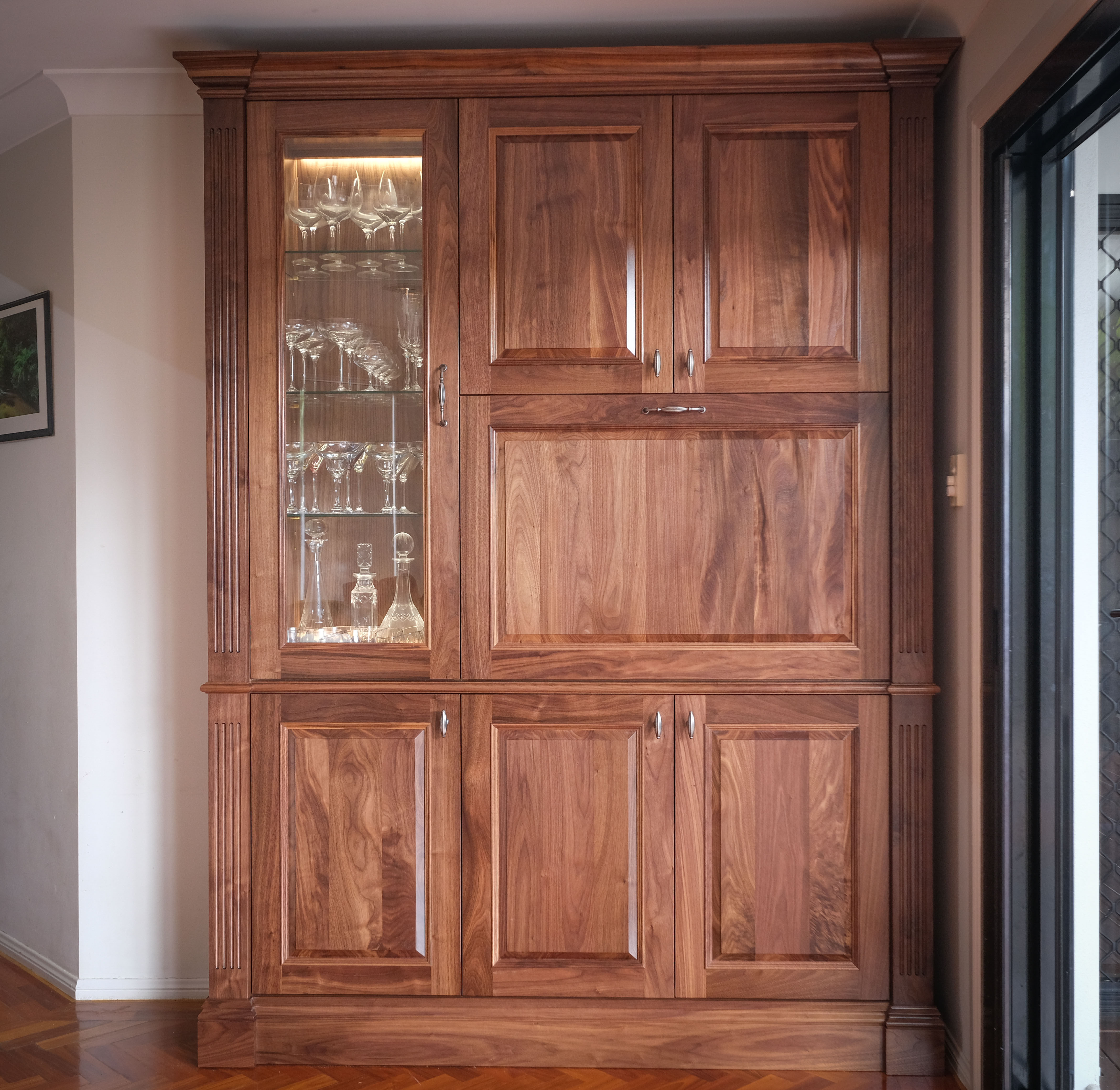 BarCabinet-1a