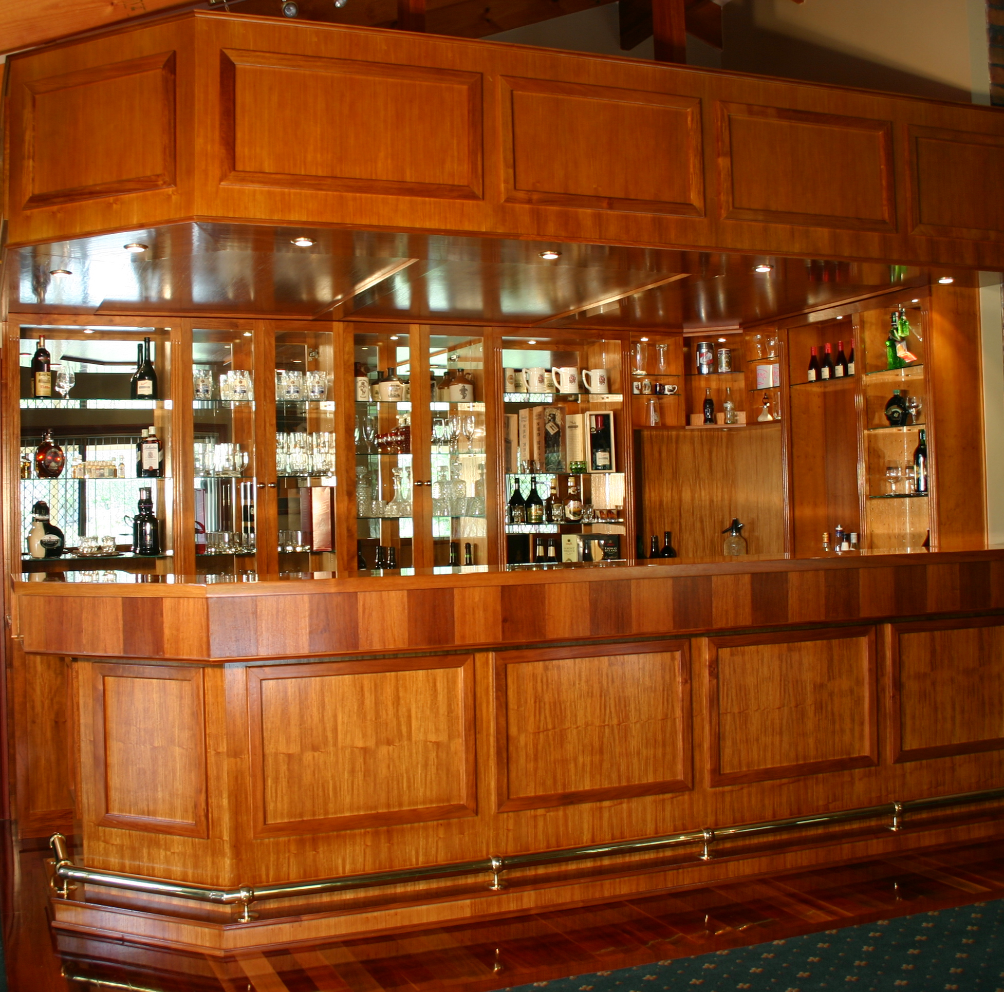 Solid Rosewood Timber Bar In Samford Finer